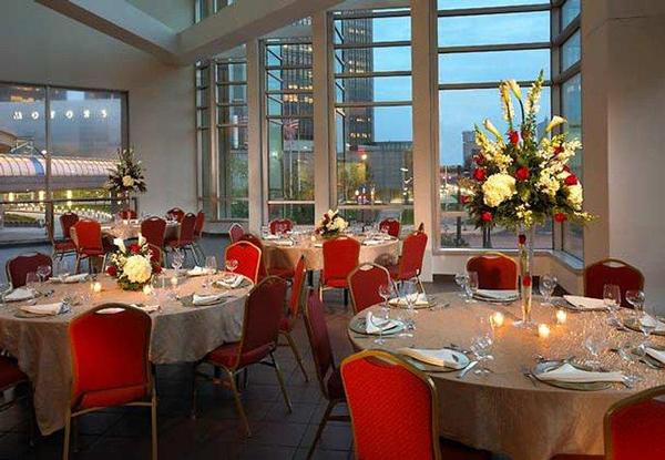 Restaurants Near Courtyard Marriott Detroit Airport
