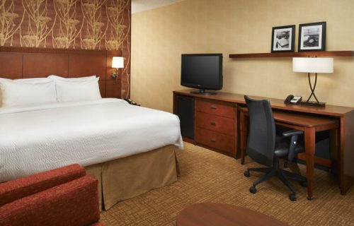 courtyard_by_marriott_detroit_downtown_room3