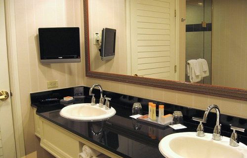 greek_town_hotel_bassroom2