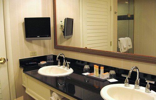 greek_town_hotel_bathroom