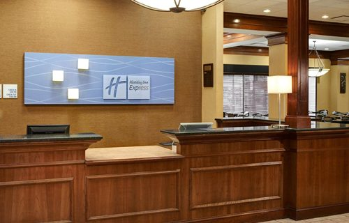 holiday_inn_express_suites_detroit_reception
