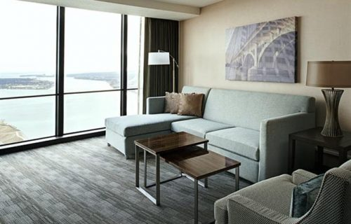 marriott_renaissance_center_room2