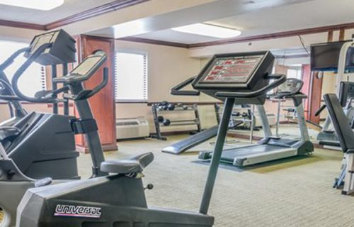 quality_inn_suites_romulus_fitness_center